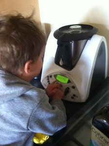 Setting the timer on the Thermomix, good counting practise